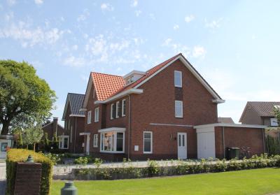 Project: 10032 Nieuwbouw 3 geschakelde woningen te Oldenzaal